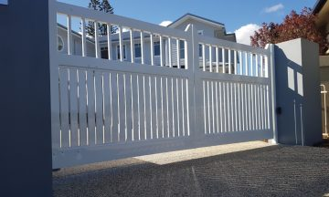 FENCING Awards nomination - Hampton Style Automatic Rising Gates by Northern Rivers Fencing