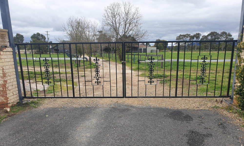 FENCING Awards nomination - Louw Steel Gates by PH Fencing
