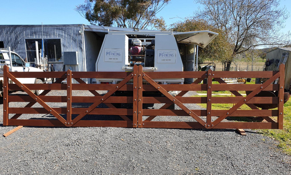 FENCING Awards nomination - Double Cross Brace Gates project by PH Fencing