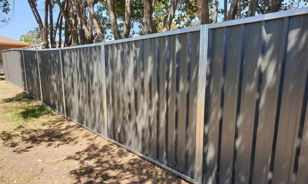 FENCING Awards nomination - COLORBOND® steel Gal Post/Rails Woodland Grey Infills project by PH Fencing