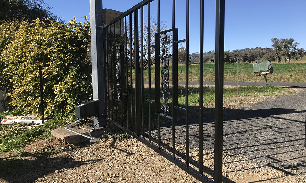 FENCING Awards nomination - Steel gate project in Spring Flat NSW by PH Fencing