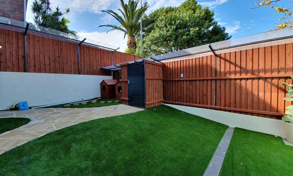 FENCING Awards nomination - Acoustic timber and aluminium gate project by Richy's Fencing, Sydney